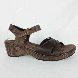 Born 9 Brown Leather Ankle Strap Sandals